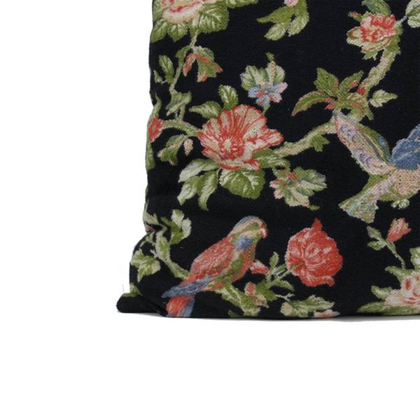 Imbarro pouf L Dark Bird detail