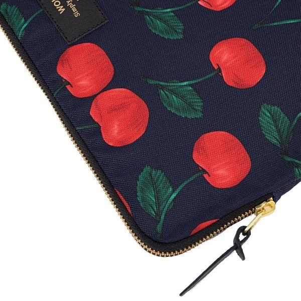 Wouf Cherries Laptophoes 13 inch 2