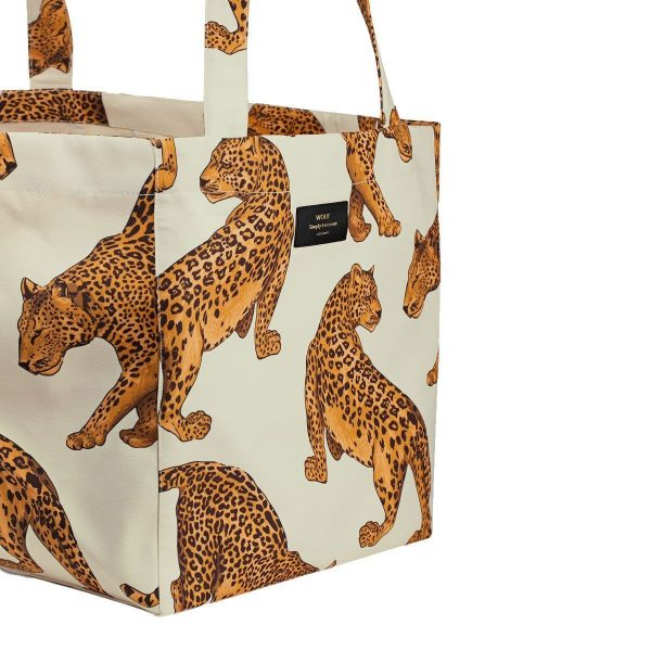 wouf leopard tote bag xl 3